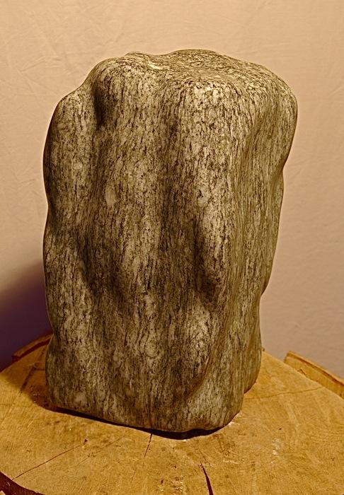"""Abstrakt geometrische Skulptur:""""Kubus"""" - Bepe' Meilenstein"""