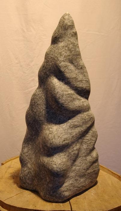 """Abstrakt geometrische Skulptur:""""Pyramide"""" - Bepe' Meilenstein"""
